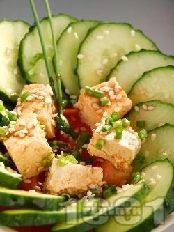 Свежо предястие с тофу, краставици и сусам - снимка на рецептата